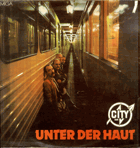 LP - City - Am Fenster